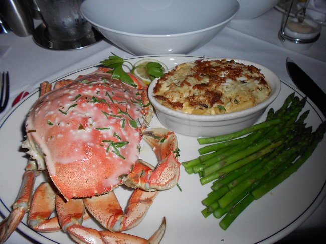 Dungeness Crab with Mac N Cheese and Asparagus