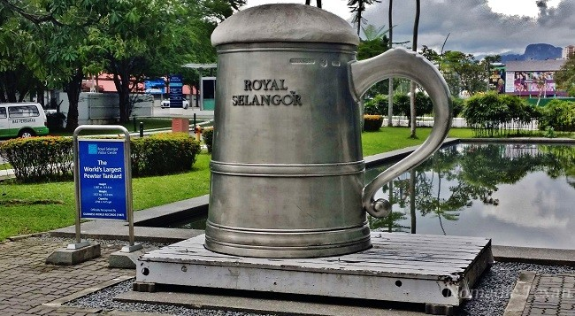 World's Largest Pewter Tankard