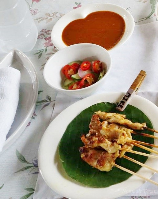 Satay (Moo, Gai or Nua) Satay with Spicy Peanut Sauce (Pork, Chicken or Beef)