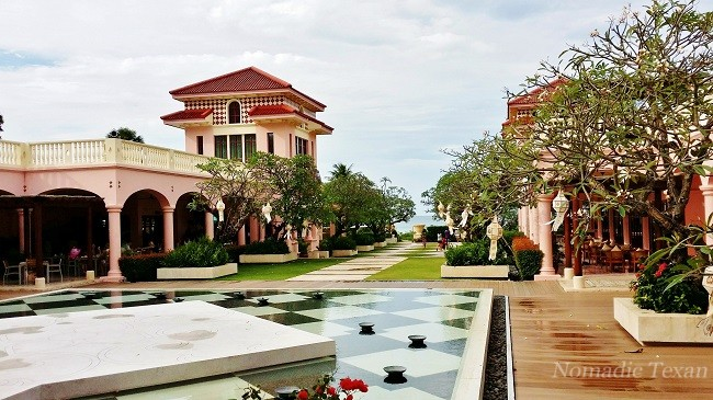 Courtyard to Dining at The Cove