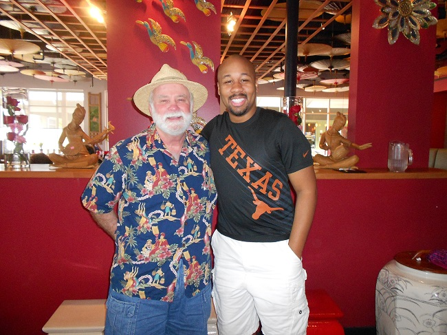 Nomadic Texan with the Minority Nomad. It was a Pleasure Senor!