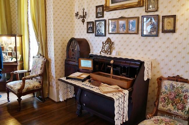 Goodman Desk